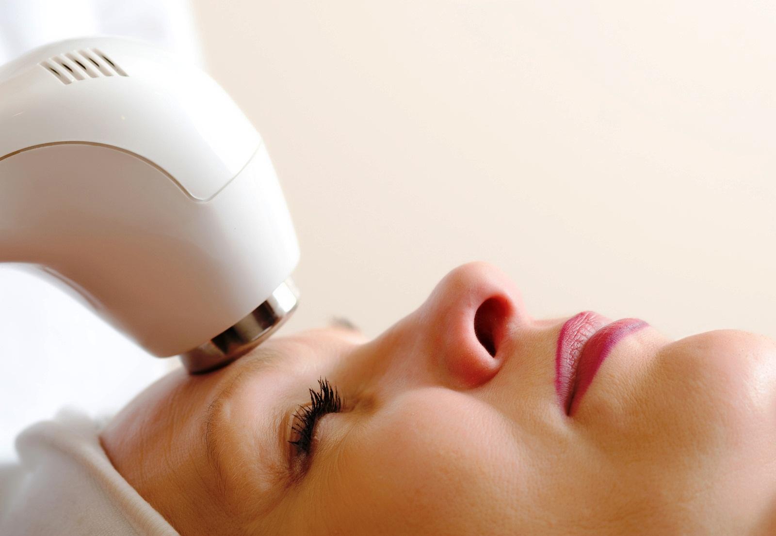 Лифтинг - красивая внешность без операции в косметологической клинике